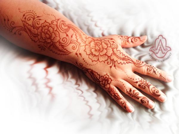 organic henna dark mehndi stain color